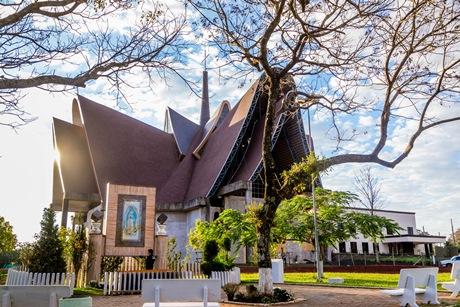 Catedral Nossa Senhora de Guadalupe, na Vila A, em Foz do Iguaçu. Foto: Nilton Rolin